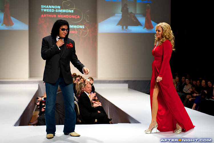 Next image from Heart Truth Fashion Show 2012